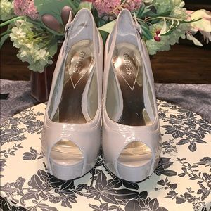 New Guess nude patent leather heels